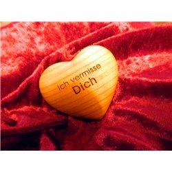 Ich vermisse Dich - Handschmeichler in Herzform aus Obstholz